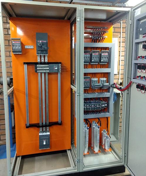 Banco de capacitores projetado e montado pela RH Materiais Elétricos